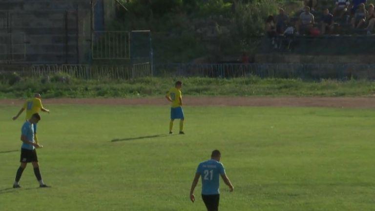 Алекс Георгиев направи резултата 2:0 в полза на Шумен срещу Тополи