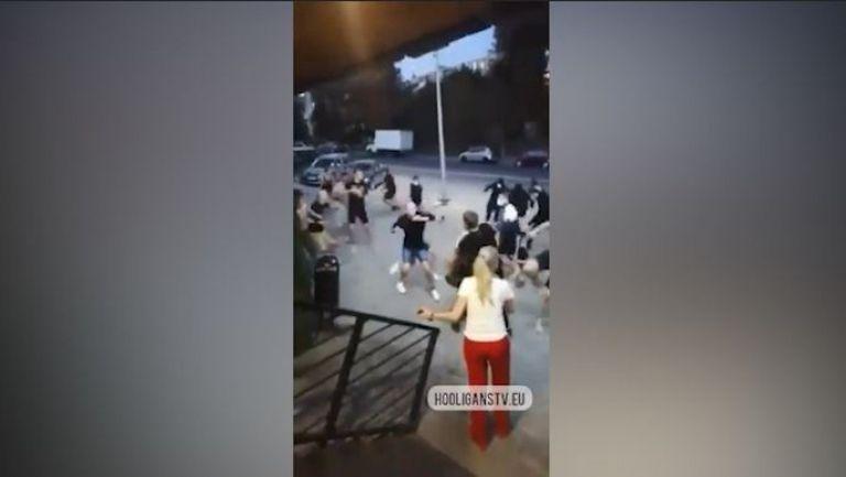 Брутален бой между фенове на Ростов и Локо (Москва)