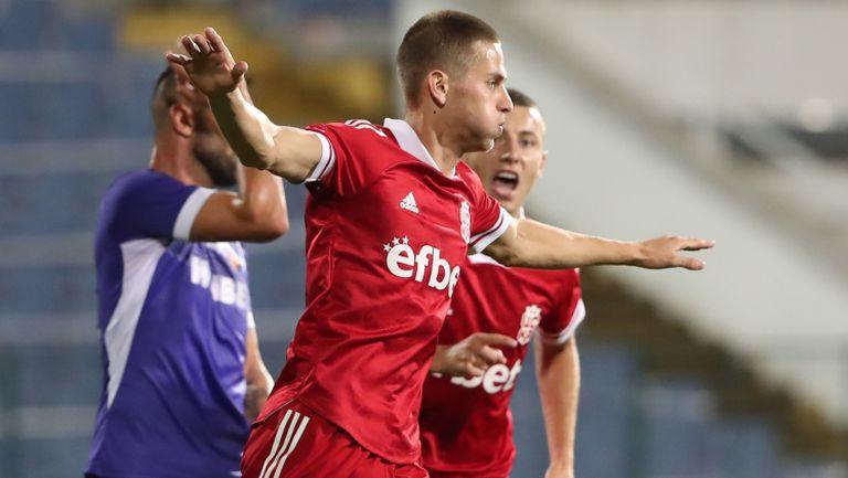 Денислав Александров вкара втори гол във вратата на Етър