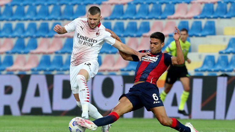 Милан взе трите точки от Кротоне в отсъствието на Златан