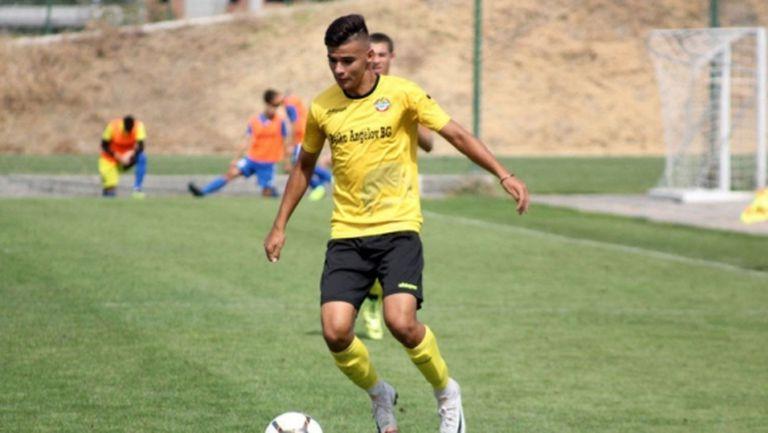 Интер регистрира българския си футболист
