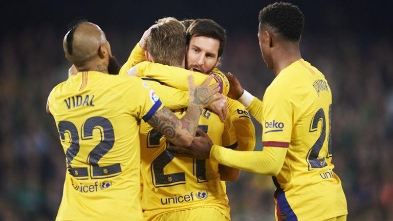 Френки де Йонг e доволен от решението на Меси да остане в Барселона
