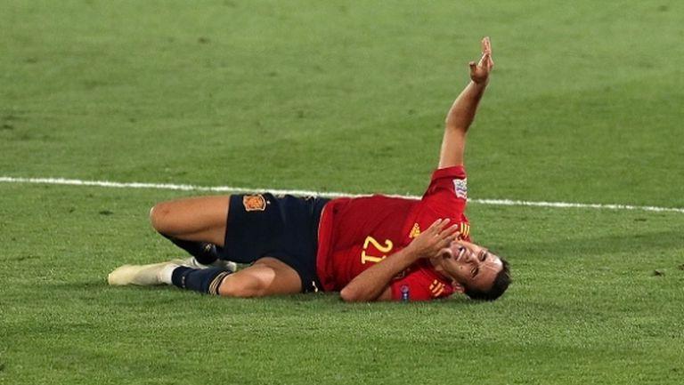 Регилон е с травма след мача на Испания