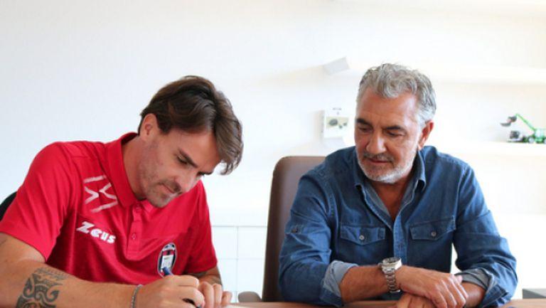 Новак в Серия А се подсили с двама опитни футболисти