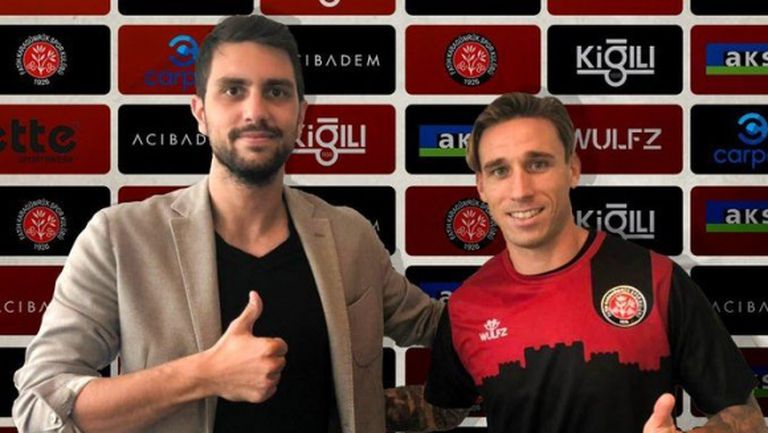 Билия смени Милан с турски новак