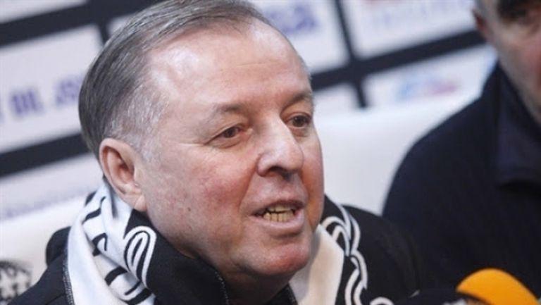 Задава се краят на треньорската криза в Славия