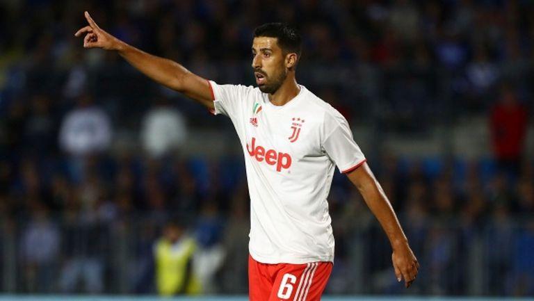 Манчестър Юнайтед обмисля оферта за Сами Кедира