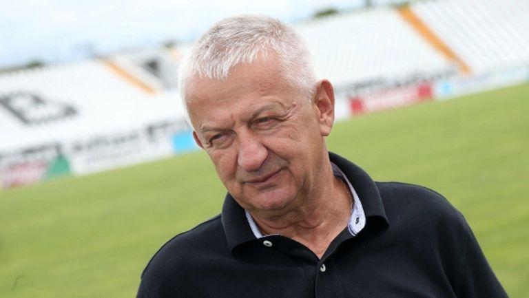 Крушарски: Ако някой рефер извади балтията, аз ще извадя отбора от терена!