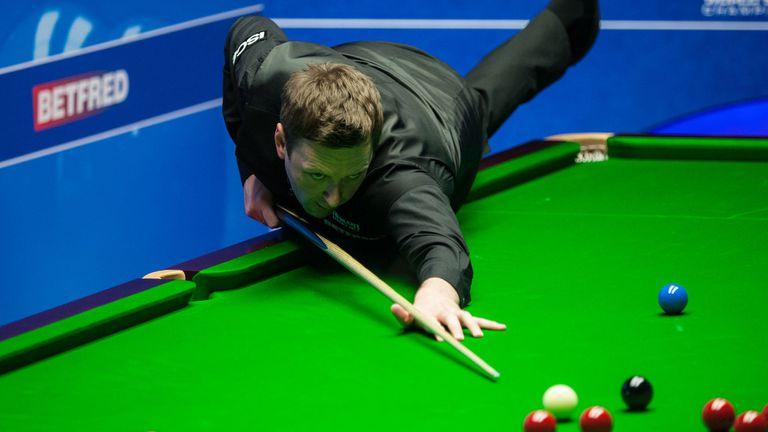 Рики Уолдън напомни за най-добрите си години с полуфинал в Белфаст