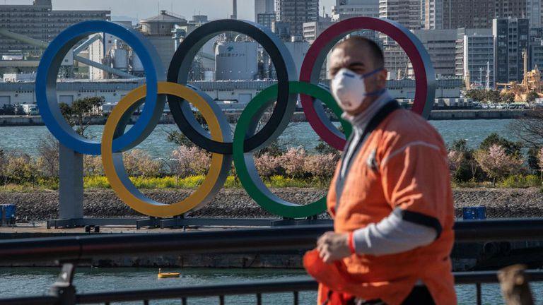 Още двама чуждестранни спортисти от олимпийското село с положителни проби за COVID-19