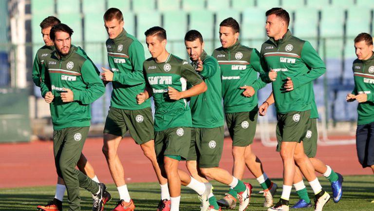 Хубчев избистри титулярите, колебае се за 1-2 поста - вероятният състав на България