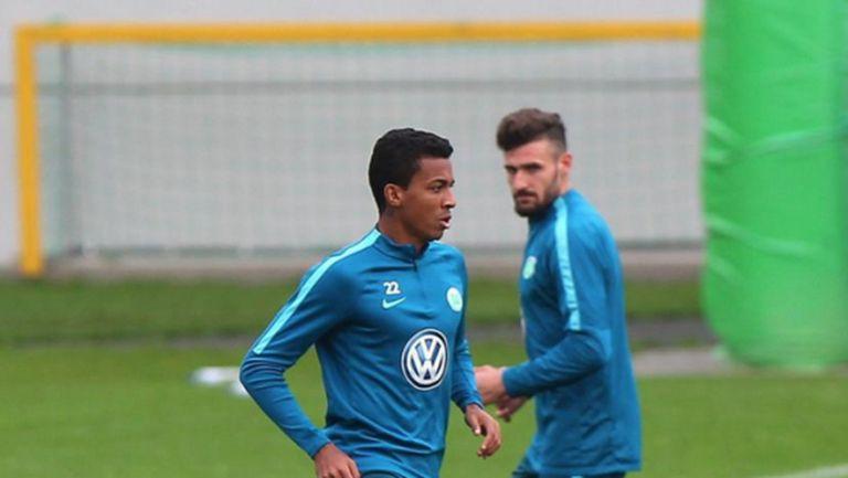 Волфсбург ще атакува изненадата в Германия с доказани бойци