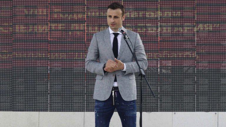 Бербатов: Няма футболист, който да не иска при Моуриньо