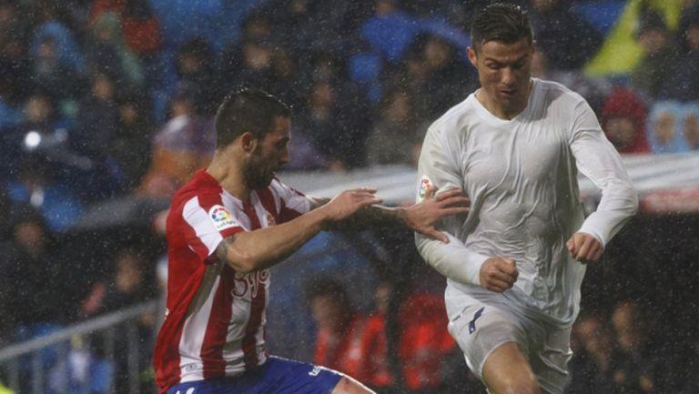 """Реал Мадрид се измъкна сух в дъждовна драма на """"Бернабеу"""" (видео + галерия)"""