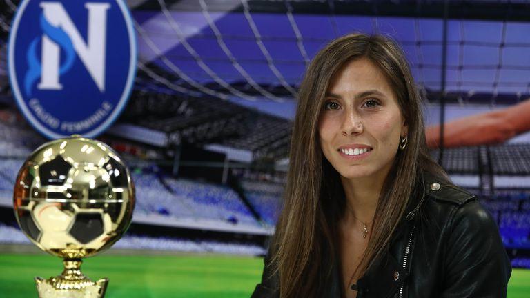 Евдокия Попадинова: Влюбих се в Наполи, имам оферти от отбори като Флоренция и други