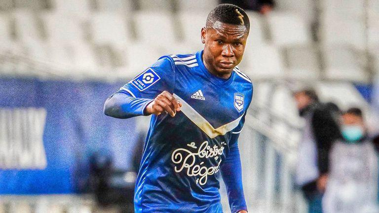 Нигериец от Бордо припадна по време на мача с Марсилия