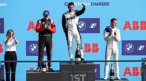 Ник де Врийс е новият световен шампион във Формула E
