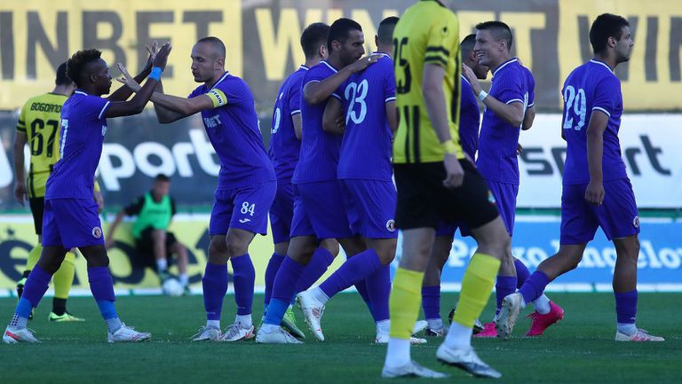 Кръгът във Втора лига продължава с два мача