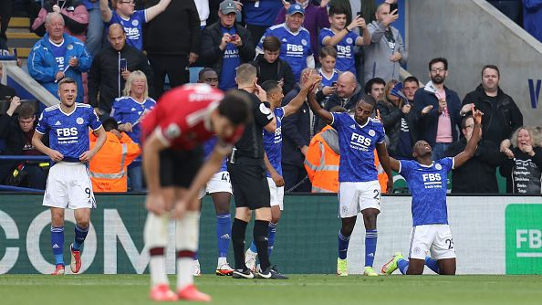 """Лестър и Юнайтед си спретнаха голово шоу, """"лисиците"""" утежниха положението за Солскяер след успех с 4:2"""