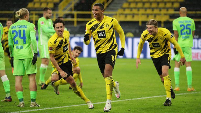 Борусия (Дортмунд) с труден успех в първия мач за годината