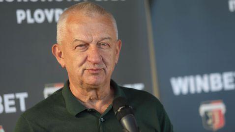 Крушарски обяви, че може да оправи Левски и БФС, критикува Бербатов и екипа му