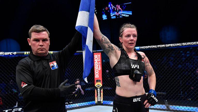 Джоана Колдърууд надви заслужено Джесика Ай на UFC 257