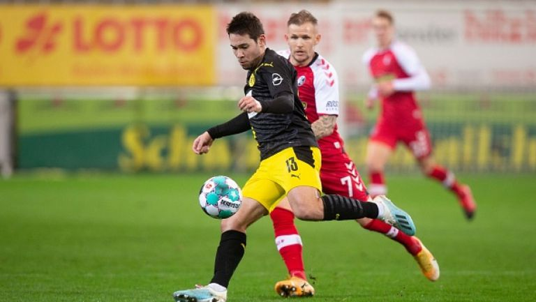 Фрайбург се справи с изпитващия трудности Борусия Дортмунд