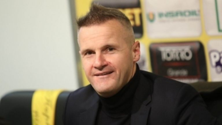 """Валентич надъха футболистите на Ботев на """"Колежа"""""""