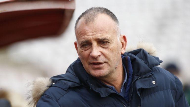 Антони Здравков: Не искаме да рискуваме с лагери в чужбина
