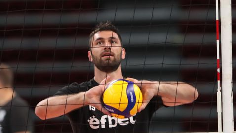 Цветан Соколов и още трима волейболисти вече тренират с държавния тим в София