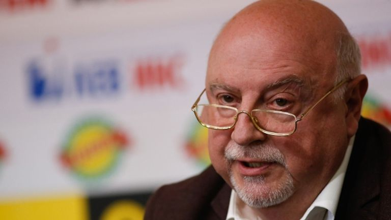 Феновете на Левски не искат Баждеков за директор