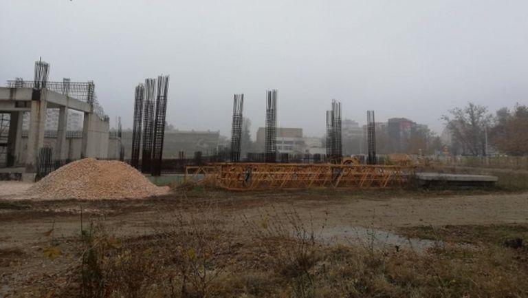 """Шефът на строителната фирма на """"Колежа"""": По 300 000 лева месечно ще влизат в касата на Ботев"""
