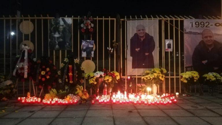 Футболисти и фенове на Ботев (Пд) почетоха паметта на Тоско Бозаджийски (видео)