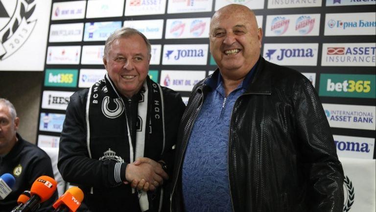 Венци Стефанов обяви четирима нови и двама на проби