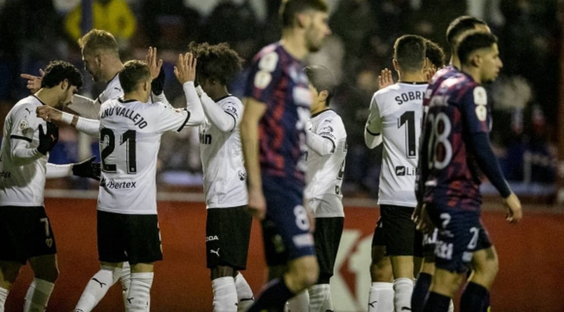 Валенсия продължава напред за Купата на Испания