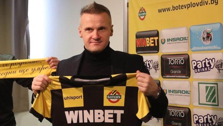 Валентич подготвя трансферен удар, иска бивш футболист на Малмьо