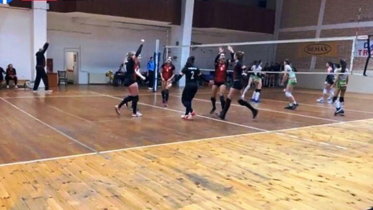 Локомотив пречупи Казанлък в страхотна битка при жените