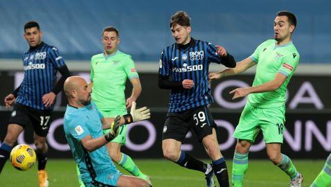 Страхотен сблъсък, пет гола, червен картон и пропусната дузпа определиха полуфиналиста между Аталанта и Лацио
