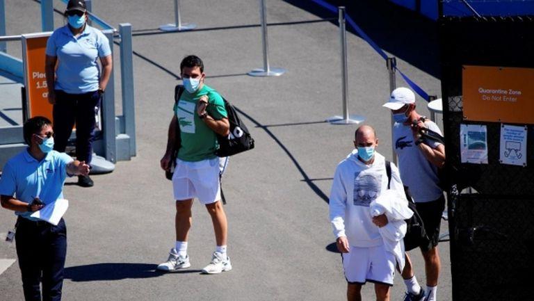 """Тенисистите в Мелбърн излизат """"на свобода"""" днес"""