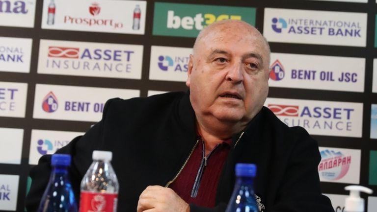 Венци Стефанов: Чакаме нов централен защитник, младите имат бъдеще