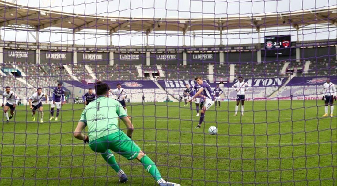 Спиерингс с нов гол при победа на Тулуза