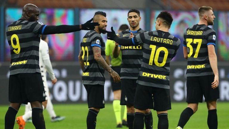 Лукаку с два гола при рутинна победа на Интер (видео)