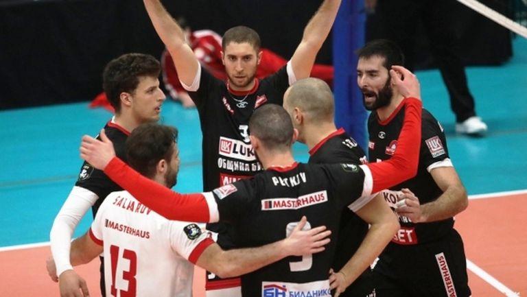 Нефтохимик отнесе ЦСКА в отложен мач в Суперлигата (видео + галерия)