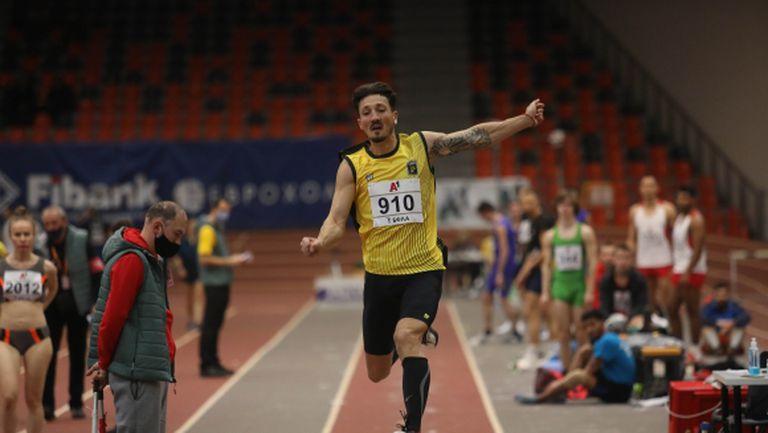 Даниел Добрев шампион на България в скока на дължина в зала за шести път (видео)