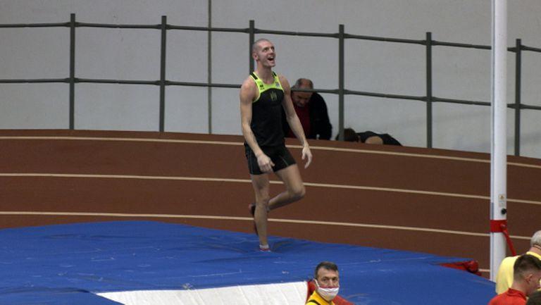 Алекс Любенов спечели овчарския скок с 5.12 м (видео)
