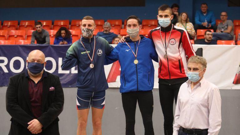 Министър Кралев награди част от медалистите на държавното първенство по лека атлетика