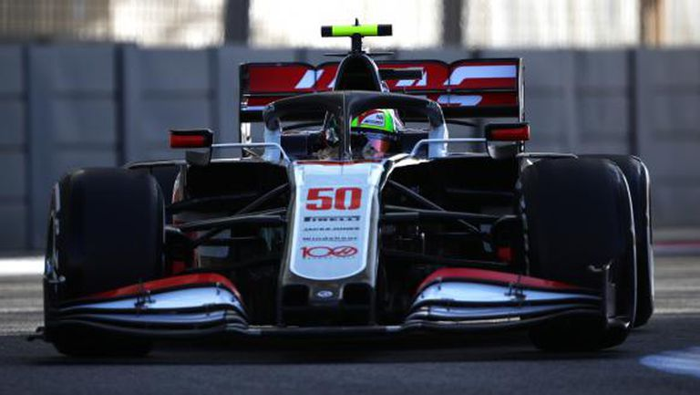 Хаас: Шумахер и Мазепин ще са свободни да се състезават само ако не вредят на тима