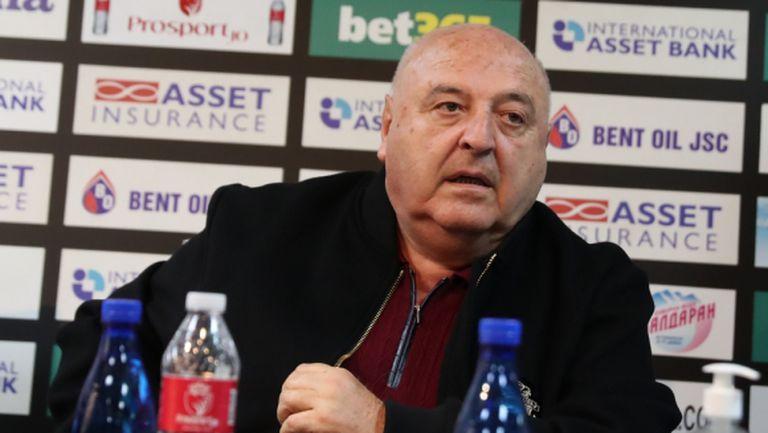 """Венци Стефанов: Тези, които говорят за """"палачинки"""" и """"обръщалки"""" са много прости - да си пият лекарствата"""