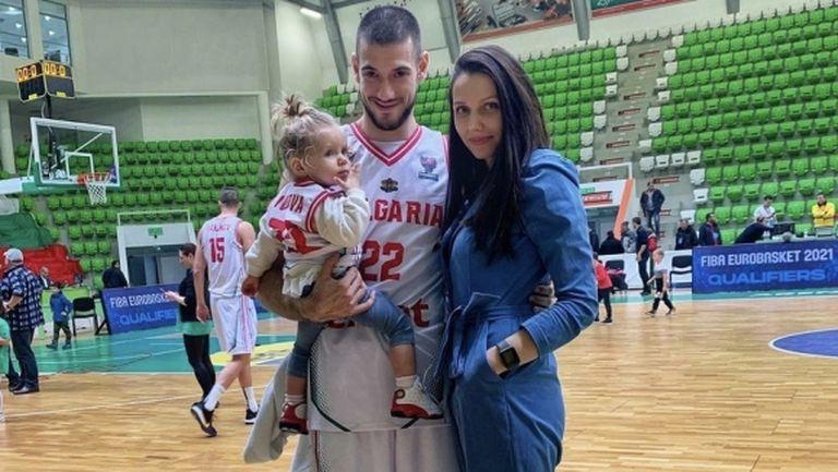 Две бебета в националния по баскетбол