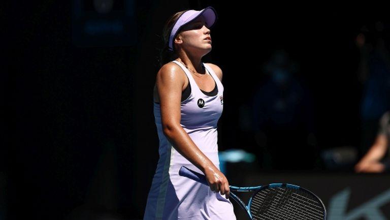 Шампионката Кенин изхвърча от Australian Open